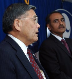 US AND INDIA BEGIN TALKS TO BROADEN AVIATION BETEEN COUNTRIES