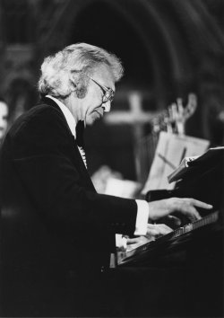 Jazz pianist Dave Brubeck premieres his To Hope: A Mass for a New Decade