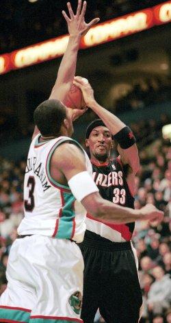 Vancouver Grizzlies over Portland Trail Blazers 95-85