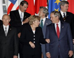 G8 LEADERS GROUP PHOTO