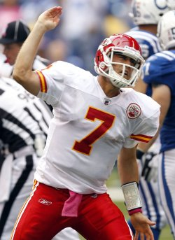 Chiefs Cassel Signals First Down Against Colts