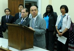 Rep. Gutierrez and Rep. Nadler speak on the Uniting American Families Act in Washington