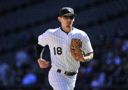 White Sox's Lillibridge runs off field against Twin in Chicago