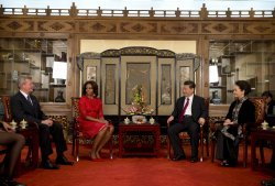 Michelle Obama meets Xi Jinping in Beijing