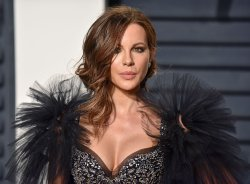 Kate Beckinsale arrives for the Vanity Fair Oscar Party in Beverly Hills
