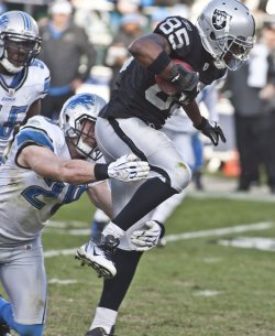 Raiders lose to Detroit Lions 28-27 in Oakland, California