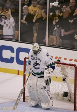 Canucks Luongo reacts in game 6 of the NHL Stanley Cup Finals in Boston, MA.