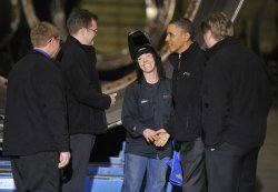 Obama tours wind power manufacturer in Manitowoc, Wisconsin