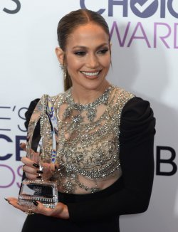 Jennifer Lopez garners award at the People's Choice Awards in Los Angeles