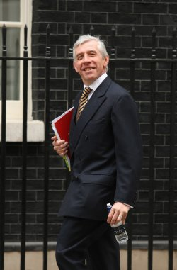 Gordon Brown holds cabinet meeting in London
