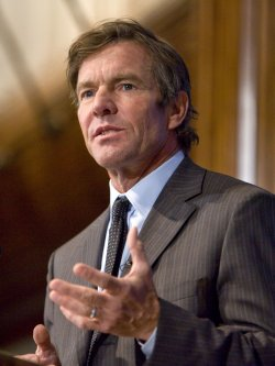 Dennis Quaid discusses prevention of medical errors in Washington