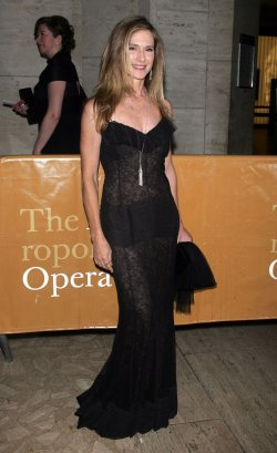 "Holly Hunter arrives for the Metropolitan Opera's ""Das Rheingold"" in New York"