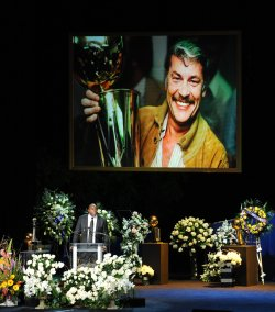 Jerry Buss remembered during memorial service in Los Angeles
