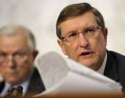 Senators Conrad and Sessions attend Senate Budget Committee