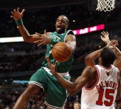 Bulls' Salmons knocks ball from Celtics' Perkins in Chicago