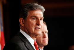Sen. Manchin and Sen. Toomey hold press conference on gun control