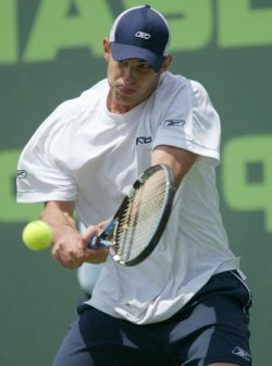 ANDY RODDICK DEFEATS GUILLERMO CORIA IN THE MEN'S FINAL AT THE NASDAQ-100 OPEN IN KEY BISCAYNE, FLORIDA