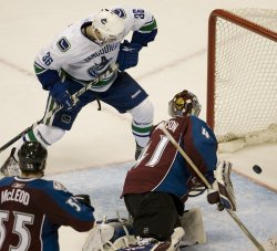 Canucks Winger Hansen Scores Winning Goal Against the Avalanche in Denver