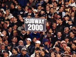 N.Y.YANKEES AND N.Y. METS FACE OFF IN 2000 SUBWAY WORLD SERIES