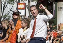 San Francisco Mayor Gavin Newsom cheers the giants