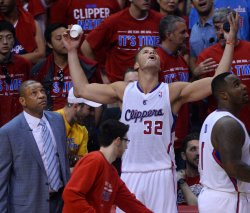Warriors defeat Clippers in Game 1 of their Western Conference playoff series in Los Angeles