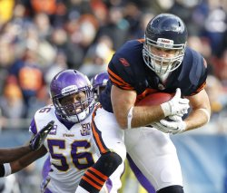 Bears Olsen catches touchdown pass against Vikings in Chicago