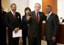 Bush Visits Urban Trust Bank In Washington