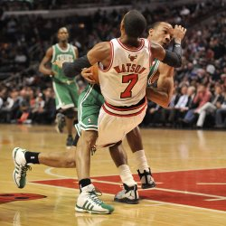 Bulls Watson Fouls Celtics Bradley in Chicago