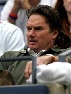 JIMMY CONNORS WATCHES MENS FINAL PLAY AT THE US OPEN