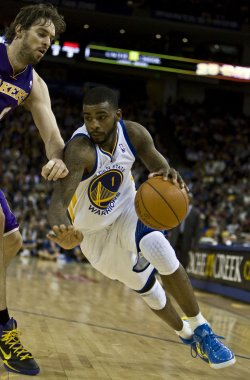 Warriors Dorell Wright drives in loss to the Lakers in Oakland, California