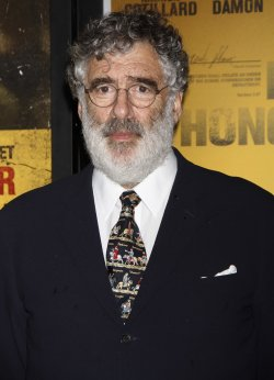 "Elliott Gould arrives for the ""Contagion"" Premiere in New York"