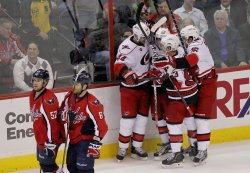 Hurricanes defeated the Capitals 4-3 in Washington D.C.