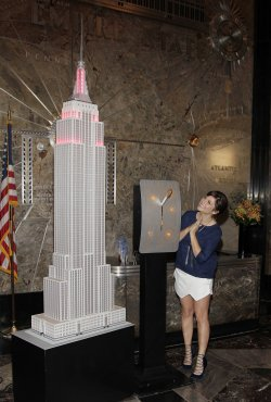 "Tiffani Thiessen lights the Empire State Building ""Jumpstart Red"""