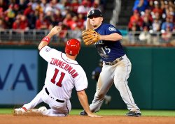 Mariners' Kyle Seager forces out Nationals' Ryan Zimmerman
