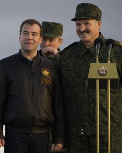 Russian President Medvedev attends Russian-Belarus joint military exercises
