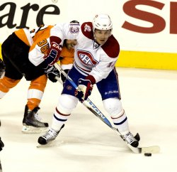 Flyers Montreal hockey action