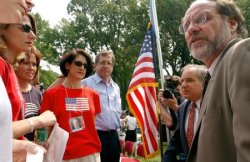 Senators, families call for Sept. 11 investigations