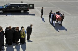Sen. Byrd arrives to lie in repose at U.S. Capitol in Washington