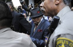 Joe Jackson leaves the courthouse following verdict in Dr. Conrad Murray's manslaughter trial in Los Angeles