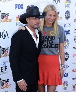 Gwyneth Paltrow and Tim McGraw attend the Stand Up To Cancer televised fundraiser in Los Angeles