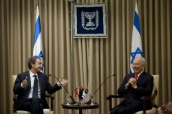 Spain's Zapatero meets with Israel's Peres in Jerusalem
