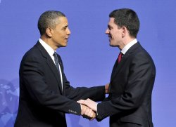 Obama Welcomes Miliband of the UK to the Nuclear Security Summit