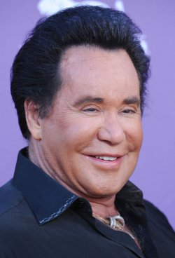 Wayne Newton arrives at the Academy of Country Music Awards in Las Vegas