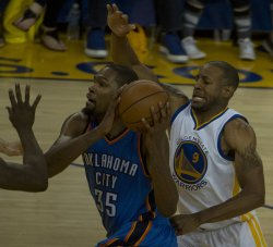 Thunder's Kevin Durant drives against the Golden State Warriors