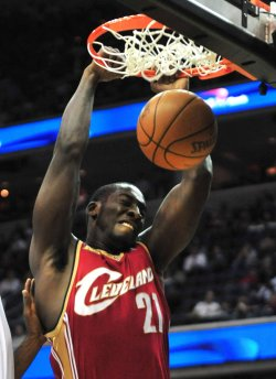 Cavaliers' J.J. Hickson scores in Washington