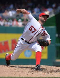 Nationals' Tanner Roark pitches