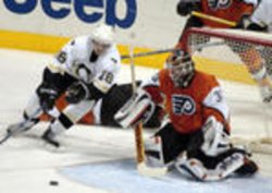 PITTSBURGH PENGUINS AND PHILADELPHIA FLYERS IN NHL ICE HOCKEY