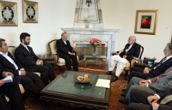 Afghan President Karzai meets with Iranian Foreign Minister Mottaki in Kabul