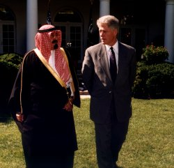 Crown Prince Abdullah bin Abd al-Aziz Al Saud of Saudi Arabia meets with President Clinton
