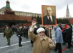 RUSSIANS CELEBRATE LENIN'S BIRTHDAY IN MOSCOW